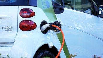 Diputados: proyecto exime del 50% del impuesto a vehículos híbridos o eléctricos