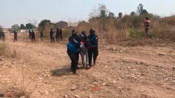 Jujuy: Desalojaron con violencia una toma de tierras y detuvieron a funcionaria