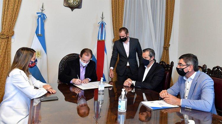 Se firmó convenio para mejorar infraestructura del parque industrial de Paraná