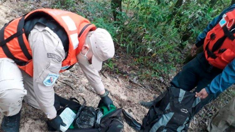 En un bote abandonado hallaron un cargamento de droga valuado en $10.000.000