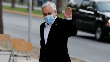 Piñera votó en plebiscito y llamó: