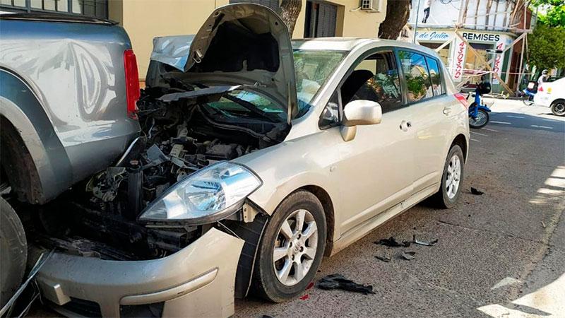 Médico murió tras descompensarse al volante y chocar contra una camioneta