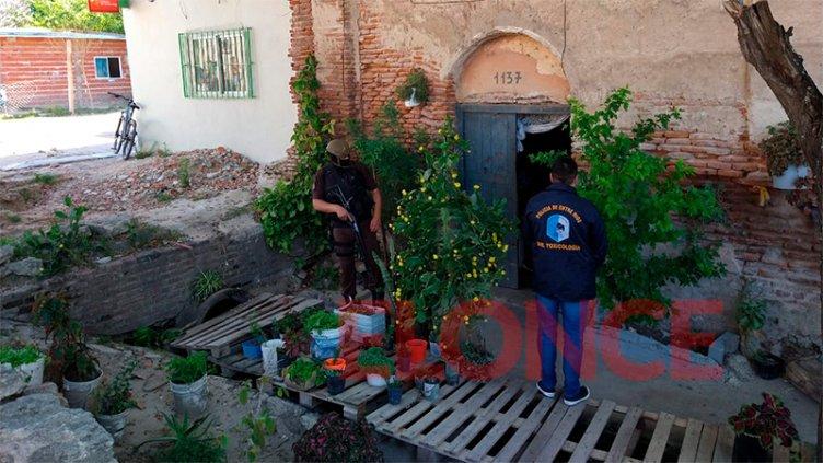 Realizan 14 allanamientos en Puerto Viejo para desmantelar quioscos de droga
