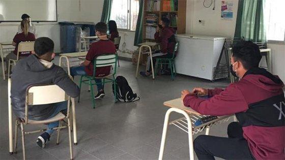 Calendario escolar 2021: prevén clases presenciales para todos en Entre Ríos