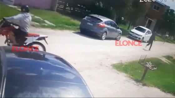 Habrían encontrado la moto con la que se cometió el triple crimen en Paraná