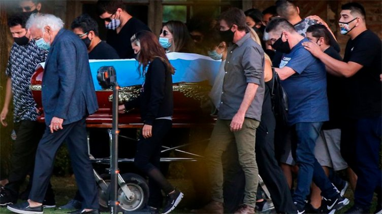 Último adiós: Maradona fue enterrado junto a sus padres