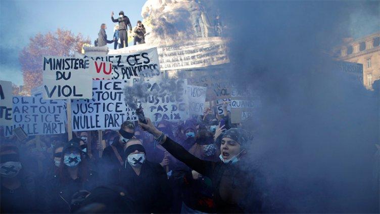 Franceses protestaron contra polémica ley de seguridad que impulsa el Gobierno