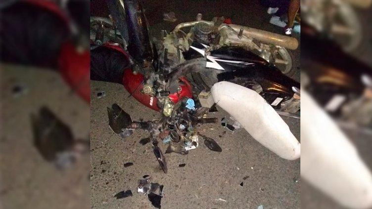 Un hombre y su nieta perdieron la vida en un choque frontal de motos