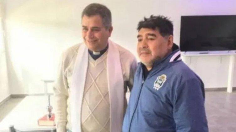 Un sacerdote reveló las últimas confesiones que le hizo Maradona