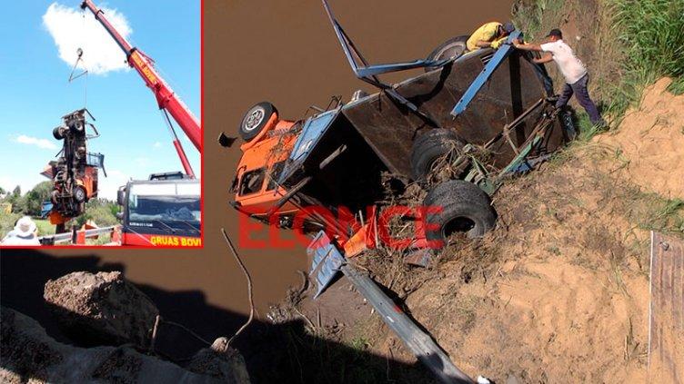 Camión que cayó desde puente: hermano del chofer reveló la causa del accidente