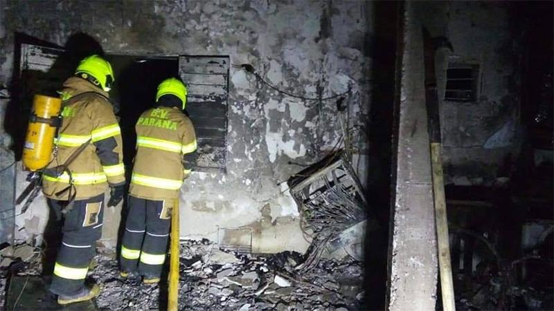 Así quedo la casa de San Benito tras explosión de garrafa: familia perdió todo