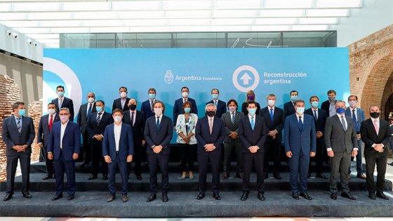 Fernández junto a los Gobernadores: el