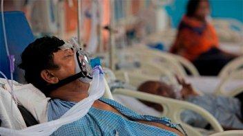 India registró la cifra diaria de casos de coronavirus más baja en seis semanas