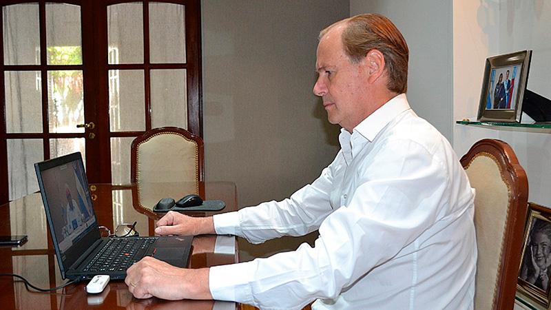 Bordet compartió una videoconferencia con el Presidente.-