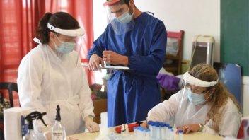 Informaron 141 muertes y 8183 nuevos contagios de covid-19 en Argentina