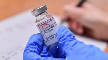 Biden celebró la aplicación de las primeras 50 millones de vacunas en EE.UU