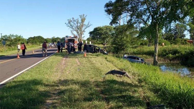 Un niño y un hombre murieron al chocar dos vehículos en la Ruta Nacional 12