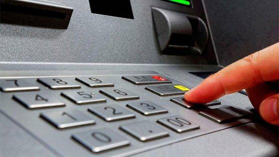 Todos los cajeros automáticos tendrán que aceptar la huella digital para operar