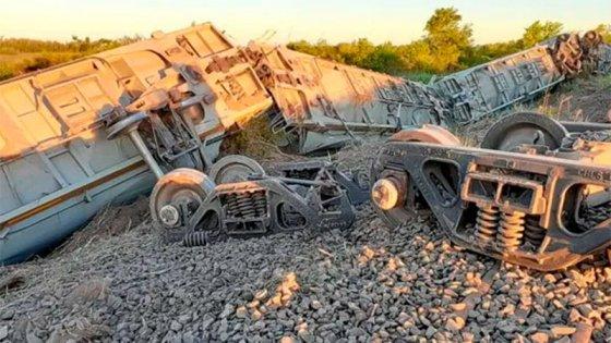 Descarrilló un tren con 15 vagones cargados de trigo: hubo fallas en las vías