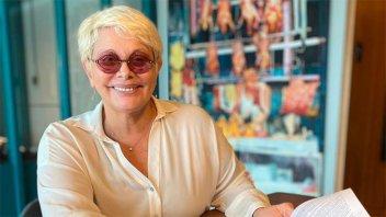 Tras el diagnóstico de covid, internaron a Carmen Barbieri por neumonía