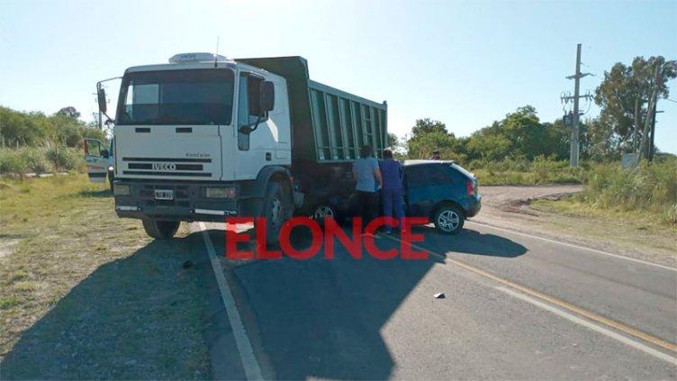Conductor de auto falleció tras chocar con camión en acceso a Piedras Blancas