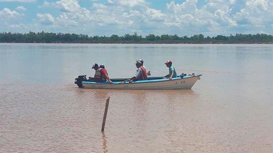 Sigue la búsqueda del joven que cayó al río Paraná tras un ataque de epilepsia