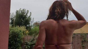 Lizy Tagliani posó de espaldas en bikini y mostró un tatuaje en su cola