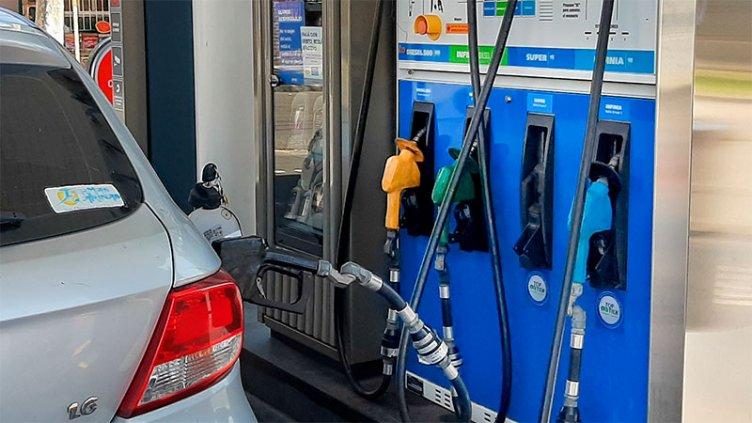 La nafta volverá a subir por actualización de impuestos y del valor de biodiesel
