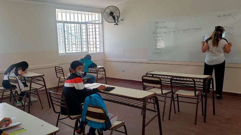 Los docentes acordaron con el Gobierno una paritaria del 29%