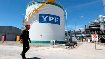 """YPF obtuvo 60% de adhesión en su canje de bonos 2021 y evitó el """"default"""""""