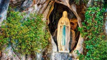 El Papa Francisco ruega a la Virgen de Lourdes por quienes sufren en pandemia