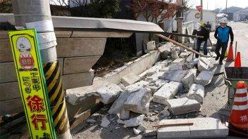 Tras sismo en Japón, decenas de heridos y un millón de casas sin electricidad