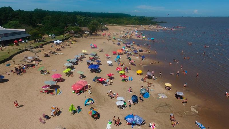 Las playas de Gualeguaychú.-