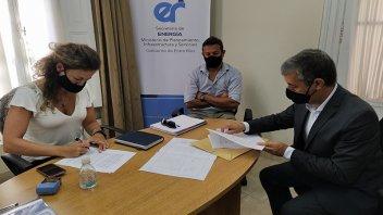 Se firmó el convenio para la ampliación de la red de gas natural en Urdinarrain