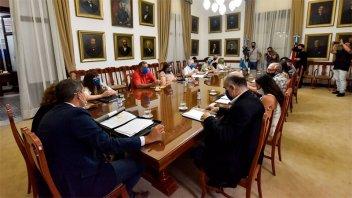 El gobierno convocó a ATE y UPCN para abordar la política salarial de 2021