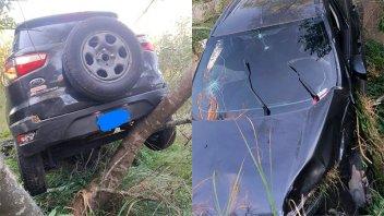 A metros del río: camioneta despistó y terminó incrustada en un árbol
