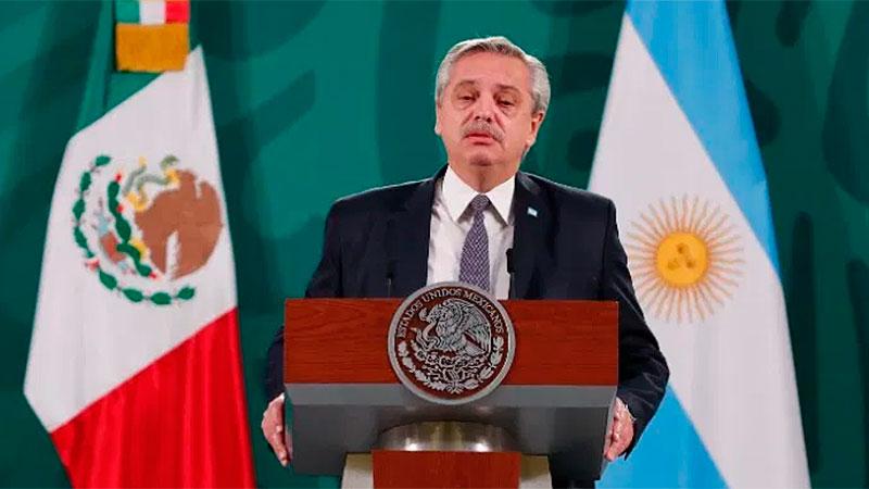 Fernández participa del acto central por la independencia de México