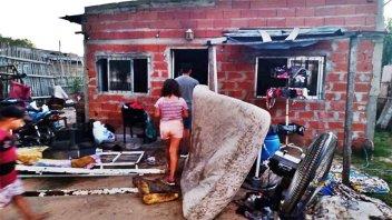 Incendio afectó una vivienda: se quemaron camas y electrodomésticos