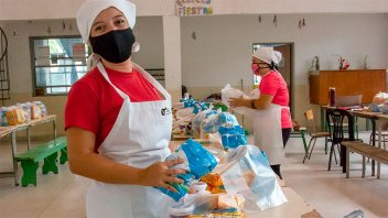 Destacan el compromiso de las cocineras en los comedores escolares provinciales