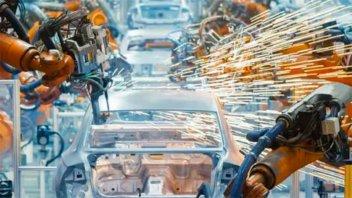 La actividad industrial creció en diciembre y en 2020 acumuló una caída de 5,5%