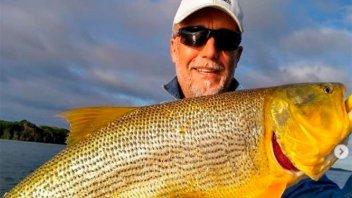 Gabriel Batistuta disfrutó de una tarde de pesca deportiva