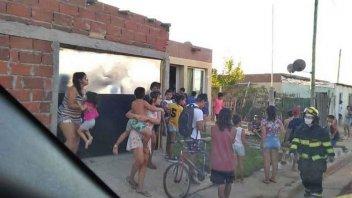 Se incendió un colchón y casi se prenden fuego otras viviendas del barrio