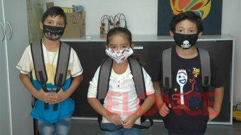 Fundación Crisálida recibió donaciones de mochilas y útiles escolares de IAPSER