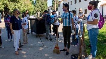 Destacan tareas de mantenimiento que hacen organizaciones sociales en escuelas