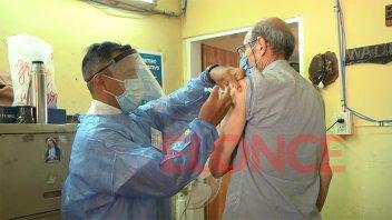 Covid-19: destinaron 1.100 dosis para adultos institucionalizados en Paraná