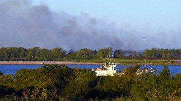 Nuevos focos de incendio en las islas del Paraná y denuncian