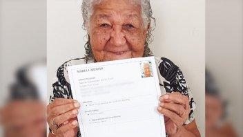 Tiene 101 años y busca trabajo para no depender económicamente de su hija
