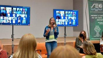 Junto a Tolosa, Stratta encabezó un encuentro de mujeres peronistas en gestión