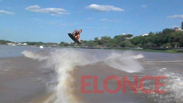 Piruetas en el río: se disputa en Paraná el Campeonato Argentino de Wakeboard