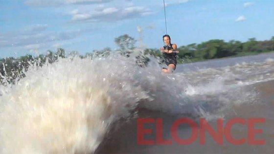 Piruetas en el río Paraná: Elonce transmite en vivo el campeonato de Wakeboard